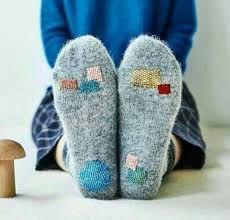 Boro, Visible Mending, Make Do And Mend, Darning, Diy Clothing, Knitting Socks, Diy Fashion, Lana, Needlework