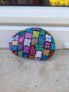 Resultado de imagen para autos pintados en piedras