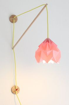 Wall fixture Klimoppe with paper lamp Moth van nellianna op Etsy, €109.00