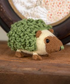 Harold is a friendly pet for your desk! Crochet him in the colours shown, or choose natural shades or even more vibrant shades. The choice is yours!