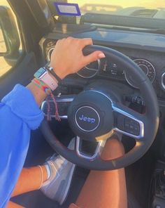 Women who love Jeeps make up a unique subculture within the culture of Jeep enthusiasts that are part of a larger group or culture of enthusiasts. Lamborghini Aventador, Carros Lamborghini, Ferrari, My Dream Car, Dream Life, Dream Cars, Bugatti, Mercedes Benz G, Ft Tumblr