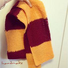 Gryffindor scarf #handmake #knitting #knittersofinstagram #craft #handmade #etsy #forewoman #scarf #gryffindor #harrypotter #yellow #winter #wool #шарф #гаррипоттер #гриффиндор #зима
