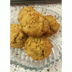 Oatmeal is a wise inclusion when you aim for weight loss. Oatmeal contains high protein content. It is a good kick start and brilliant choice for Breakfast.  Oatmeal Recipes | Oatmeal banana Muffins | Oats Recipes | How to make Oatmeal Recipes | Oatmeal for Weight loss | Quick Breakfast Ideas #protein #healthyrecipes #breakfastideas Banana Oatmeal Muffins, Oatmeal Recipes, High Protein, Quick Meals, Food And Drink, Yummy Food, Breakfast, How To Make, Fast Meals