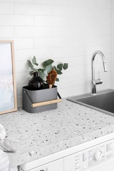 Modern muse - Laundry inspiration and ideas Bathroom Interior Design, Kitchen Interior, Kitchen Decor, Kitchen Design, Laundry Room Design, Laundry In Bathroom, Terrazzo, Living Colors, Laundry Room Layouts