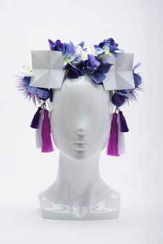 Shop styles of designer headwear & spring racing fascinators online. Bridal headwear, Melbourne Cup hats & accessories by Ford Millinery. Black Fascinator, Headpiece, Melbourne Cup Fashion, Spring Racing Carnival, Races Fashion, Origami Stars, Silk Flowers, Spring Fashion, Ford