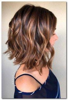 Sleek And Sexy Hairstyles For Medium Length Hair (15)