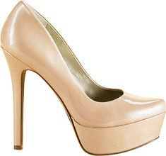 The Waleo pump executes simplicity and style with class. It features a platform sole, a stiletto heel and a round toe.