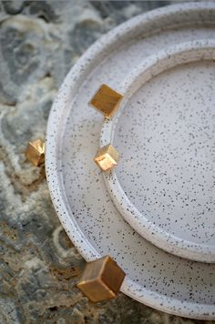 KELLY WEARSTLER X BEN MEDANSKY | PYRITE DINNERWARE. Handcrafted ceramic with 22k gold detailing