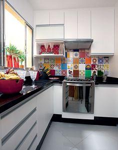 azulejo colorido cozinha                                                                               Mais