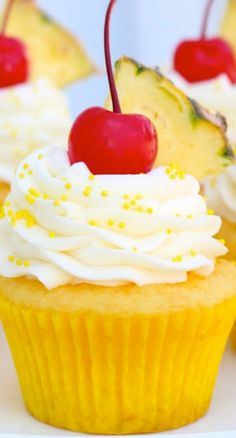 Pineapple Cream Cupcakes - modify with homemade cake and fresh pineapple - great flavor combo. I think I'd add pineapple (or coconut! ) to the frosting. Just Desserts, Delicious Desserts, Dessert Recipes, Yummy Food, Cupcake Fimo, Cupcake Cakes, Cup Cakes, Cupcake Emoji, Yummy Treats