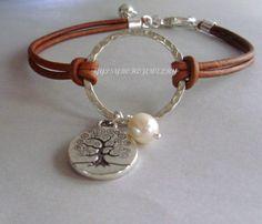 Leather Jewelry, Boho Jewelry, Beaded Jewelry, Jewelry Bracelets, Jewelery, Jewelry Design, Charm Necklaces, Ankle Bracelets, Bracelet Making