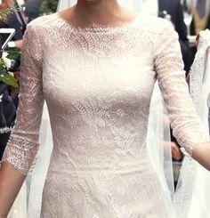 Detalle cuerpo vestido novia. Me encanta!
