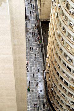 São Paulo. Vista aérea da São Bento, uma das ruas que formam o centro histórico de São Paulo, na região da Sé.
