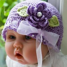 love this cuties crocheted bonnet