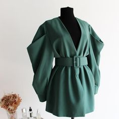 Edgy Outfits, Winter Fashion Outfits, Classy Outfits, Fashion Dresses, Jackets For Women, Clothes For Women, Dress Coats For Women, Women's Jackets, Fall Jackets