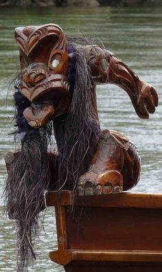 Detail of Waka on Waikato River NZ traditional Maori boat Maori Designs, Arte Tribal, New Zealand Art, Nz Art, Maori Art, Kiwiana, The Beautiful Country, Bone Carving, Indigenous Art