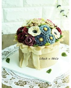 Soy bean cream flower ricecake.  Design class 3th Done by China student. Soy bean  cream flower ricecake~♡ 韩式豆沙裱花  #cake #modelling #flowercake #barbie  #flowercake #flower #design #dessert#food#ricecake #class #inquiry #CAKEnDECO  # 韩式豆沙裱花  #앙금플라워떡케이크  #앙금플라워 #앙금플라워떡케익  #플라워케이크 #韩式裱花 #앙금모델링 #떡케이크 #케이크  #떡 #디저트#花#koreanflowercake #韓国式 #포토그램 #플라워 #플라워케이크 #裱花 #豆#앙금플라워 #케익앤데코  KakaoTalk, WeChat ID : cakendeco Line ID : cakendeco  http://www.cakendeco.co.kr