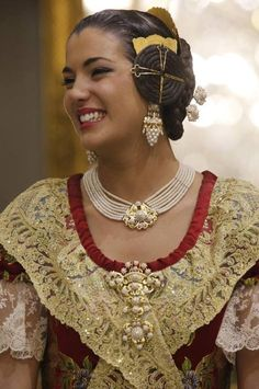 Spanish Woman, Spanish Style, Mediterranean People, Baroque Fashion, Nordic Fashion, European Dress, Pin Up, Ethnic Dress, Period Costumes