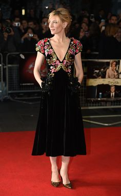 Cate Blanchett in Schiaparelli Couture attends the 'Truth' Fellowship Special Presentation Gala during the BFI London Film Festival. Cate Blanchett, Style Fête, Celebrity Dresses, Celebrity Style, Couture Dresses, Fashion Dresses, Nice Dresses, Short Sleeve Dresses, Mexican Dresses