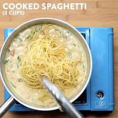 Creamy Bacon Spaghetti!! 🍝🍝🍝 vc: @twisted_food  Snapchat 👻: foodyfetish