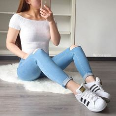 Love this outfit! credit Audrey Mccaskey outfit ideas❤… – Stuti Bajaj – Join in the world of pin Summer Outfits For Teens, Teenage Outfits, Teen Fashion Outfits, College Outfits, Spring Outfits, Girl Outfits, Cute Casual Outfits, Simple Outfits, Adidas Superstar Outfit