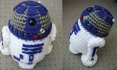 Crochet R2-D2! The cool crochet...