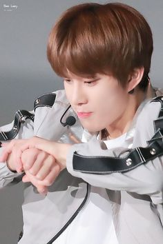 Jungwoo on stage Kim Jung Woo, Nct 127, My Photos, Stage, Angel, Culture, Technology, Tech, Tecnologia