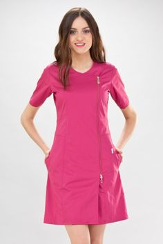 blouse medicale rose Scrubs Outfit, Scrubs Uniform, Nursing Clothes, Nursing Dress, Scrub Skirts, African Fashion Dresses, Fashion Outfits, Stylish Scrubs, Beauty Uniforms