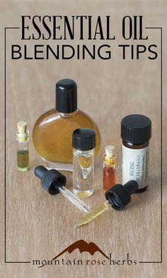 DIY: Expert guide for blending your own essential oil scents! Clary Sage Essential Oil, Essential Oil Scents, Essential Oil Bottles, Essential Oil Perfume, Organic Essential Oils, Essential Oil Uses, Doterra Essential Oils, Organic Oils, Doterra Oil