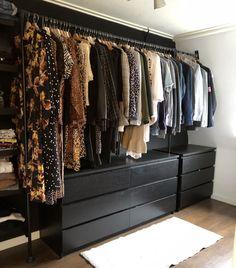 Spare Room Walk In Closet, Master Closet, Open Wardrobe, Wardrobe Room, Bedroom Closet Design, Closet Designs, Minimalist Closet, Dressing Room Design, Dream Closets