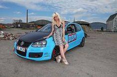 Volkswagen hasn't revealed the technical details for this car that was named Golf GTI Performance. Volkswagen Auto Group, Volkswagen Models, Car Show Girls, Car Girls, Golf Gti V, Mercedes Cl500, Kahn Design, V Club, Hot Vw