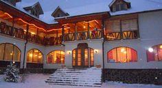 Hanul Curtea Veche Bran - Garanția celui mai bun preț | Agoda.com Marco Polo, Mansions, House Styles, Travel Guide, Home Decor, Viajes, Decoration Home, Manor Houses, Room Decor