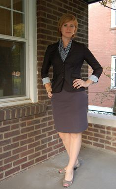 A's Interview Attire - The Skirt Business Outfits, Business Attire, Office Outfits, Office Shoes, Work Outfits, Business Casual, Ways To Wear A Scarf, How To Wear Scarves, Interview Attire