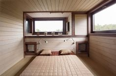 cool-bedroom-design-with-two-large-windows-brown-color-themes-dark-wood.jpg (800×528)