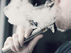 Liquidverdampfen (E-Zigarette) steht genau wie Rauchen auch deshalb am Pranger, weil Pharmakonzerne, die Entwöhnungspillen und Nikotinprodukte herstellen, an der Tabakbekämpfung beteiligt sind.