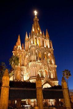 Catedral de Sn Miguel Arcangel en San Miguel de Allende Guanajuato, Mexico