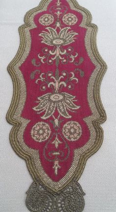 Cross Stitch Borders, Diy Pillows, Cross Stitch Embroidery, Bohemian Rug, Salons, Watches, Rugs, Crafts, Needlepoint