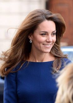 Today, the Duchess of Cambridge joined her husband the Duke of Cambridge Prince William at the launch of National Emergencies Trust in London. Kate Middleton Photos, Kate Middleton Style, Prince William And Kate, William Kate, Duke And Duchess, Duchess Of Cambridge, Royal News, Reine Victoria, Kate Dress