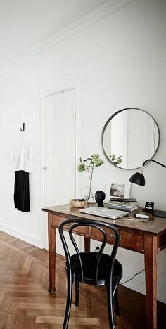 Cozy home with a vintage touch - COCO LAPINE DESIGN I like the simple and cozy decor of this light home. White and grey textures are combined with vintage furniture in different kinds of wood and I like the piano next to the bed as well. via Stadshem Home Design, Home Office Design, Home Office Decor, Design Ideas, Office Ideas, Office Inspo, Office Designs, Design Design, Design Projects