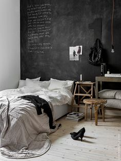 So Fresh and So Chic // For the Home: 13 Alternative Headboard Ideas for Stylish Bedrooms! #sofreshandsochic #forthehome #homedecor #diyhomedecor