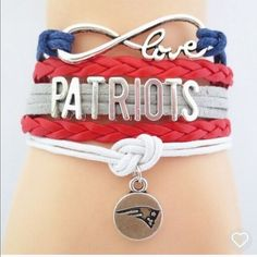 Patriots bracelet(NWT)4 left! Very cute! Makes a great gift! Brand new in package Jewelry Bracelets