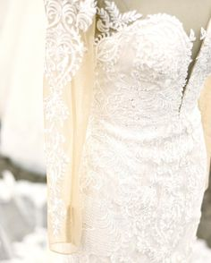 Lovely and lace wedd
