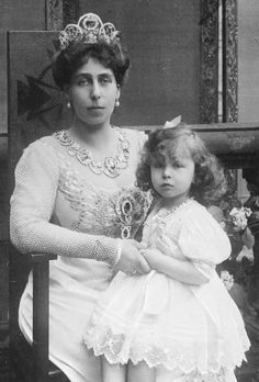 Grand Duchess Victoria Feodorovna (nee Princess Victoria Melita of Edinburgh) with her daughter Princess Maria Kirillovna.