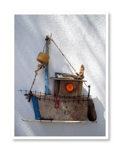 cute little fishing boat, looks like it's been made from found objects on the beach and driftwood Boat Crafts, Summer Crafts, Driftwood Sculpture, Driftwood Art, Driftwood Projects, Boat Art, Junk Art, Sea Glass Art, Wood Creations