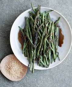 It's All Easy: Delicious Weekday Recipes for the Super-Busy Home Cook: Gwyneth Paltrow: 9781455584215: Amazon.com: Books
