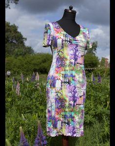Knielange Kleider - Jerseykleid Neon Tree, Viskose, Stretch, Digitald. - ein Designerstück von jerino-mode-fuer-mich bei DaWanda