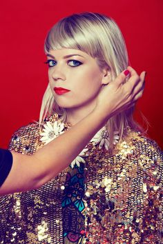 """NEWS: The folk singer-songwriter, Basia Bulat, has announced a North American tour, called the """"Good Advice Tour 2016,"""" for February through April. Details at http://digtb.us/1UZX3dt"""