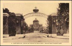 Cartierville, entrée de l'Hôpital du Sacré-Coeur [image fixe] = Cartierville, Sacred Heart Hospital's gate |