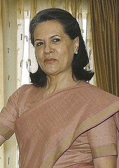 Sonia Gandhi, President of the Indian National Congress Sonia Gandhi, First Prime Minister, Rajiv Gandhi, Italian People, Indira Gandhi, Election News, Cute Cartoon Drawings, India First, Saree Look