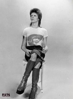 vezzipuss.tumblr.com — David Bowie, Circa 74 ➰